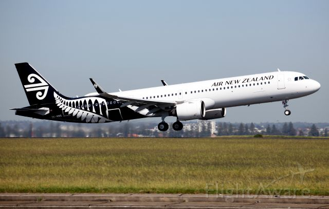 Airbus A321neo (ZK-NNG) - Seventh A321N for ANZ Lifting Off Rwy 34R
