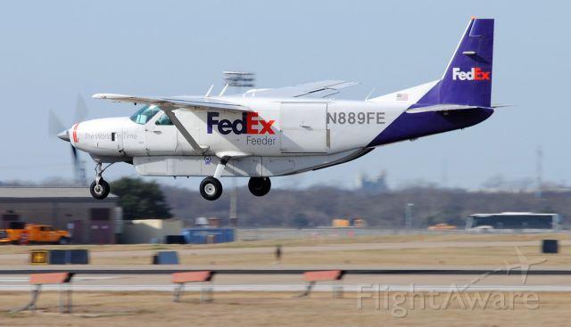 Cessna 206 Stationair (N889FE)