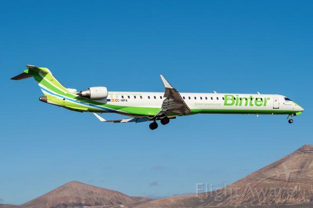 Bombardier CRJ-1000 (EC-MPA)