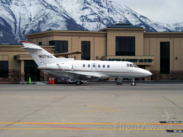 Raytheon Hawker 800 (N571KG) - Getting ready for departure hours before a snow storm will hit