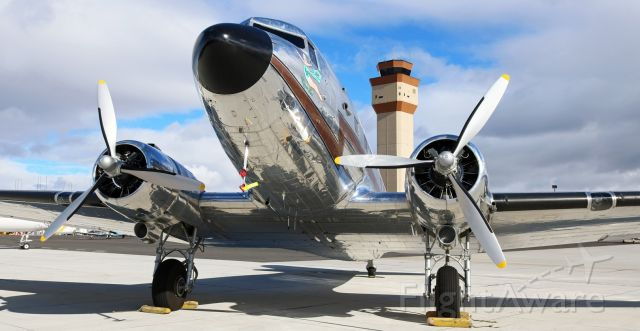 Douglas DC-3 (N3006) - Kippie Lee