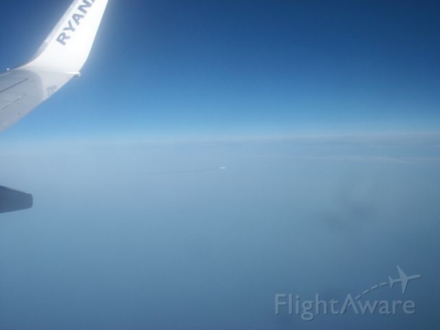 Boeing 737-800 (EL-EFO) - Onboard Ryanair EL-EFO from Faro to Manchester, UK