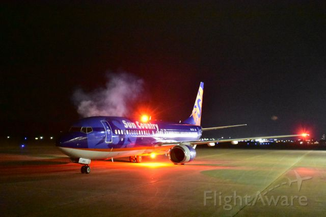 Boeing 737-800 (N813SY) - startup on a cool winter early morning