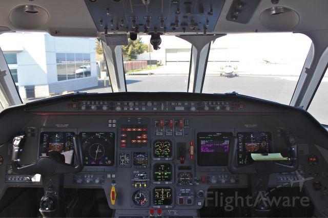 Dassault Falcon 2000 (N98RP)