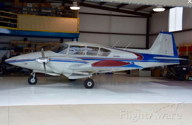 Piper Apache (N6918D) - Direct Connect Flight Academy