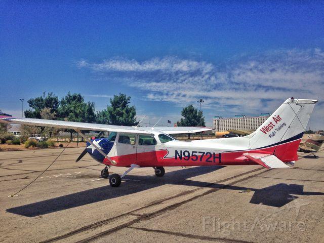 N9572H — - N9572H - 1975 Cessna 172M