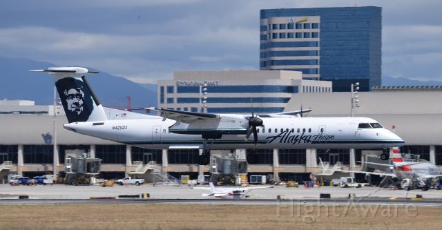 de Havilland Dash 8-400 (N420QX) - N420QX arriving right around 2:30 from Santa Rosa. It was turned around in about 45 minutes and then headed off to Reno. It was a very busy day (Saturday May 7, 2016) as there were a number of commercial aircraft, the Collings Foundation a/c as well as a King Air doing pattern work (never seen that one before).