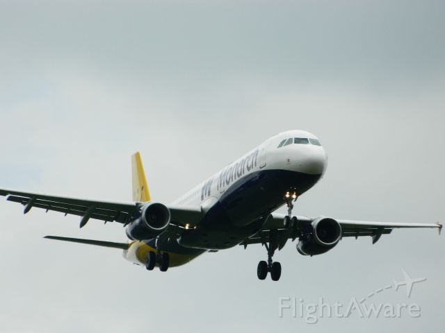 Airbus A321 (G-ZBAG)