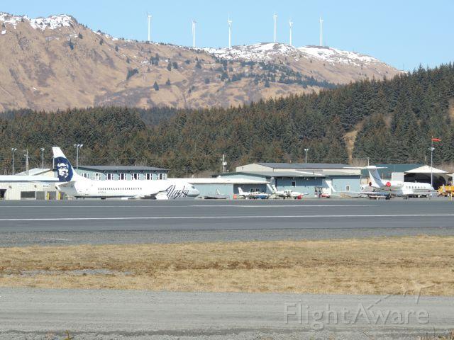 BOEING 737-400 (N762AS)