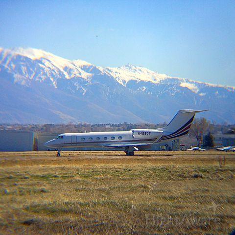 Gulfstream Aerospace Gulfstream IV (N425QS) - IPHONE 5S