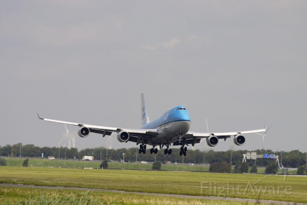 Boeing 747-400 (PH-BFV) - Landing Polderbaan: Terug van de reis AMS-JFK