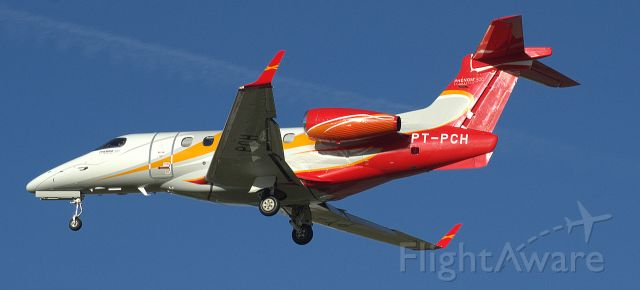 Embraer Phenom 300 (PT-PCH)