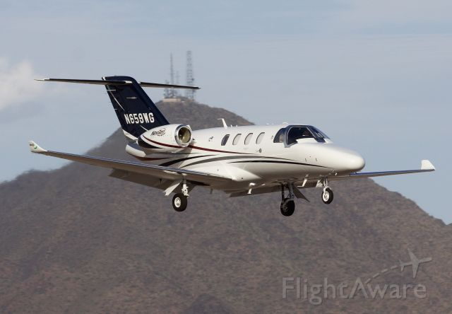 """Cessna Citation CJ4 (N659WG) - Comings and goings at Scottsdale (Please view in """"Full"""" for best image quality)"""
