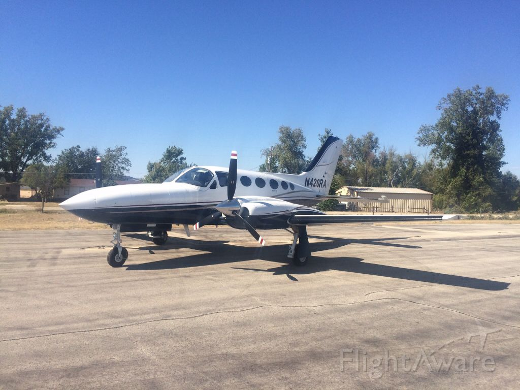 Cessna 421 (N420RA)
