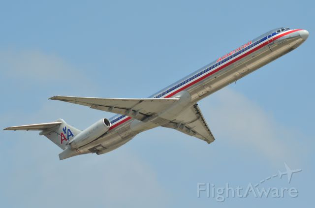 McDonnell Douglas MD-80 (N7547A) - Leaving Houston from 15R at KIAH.