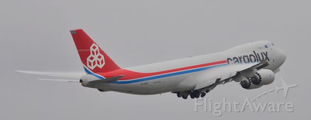 BOEING 747-8 (LX-VCD) - vapor off the wings