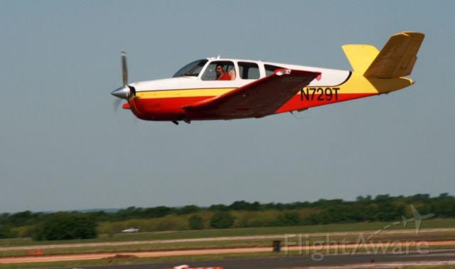 Beechcraft 35 Bonanza (N729T)