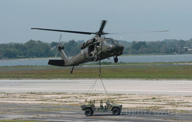 — — - HH60 drops off a hummer at the Rhode Island ANG Open House