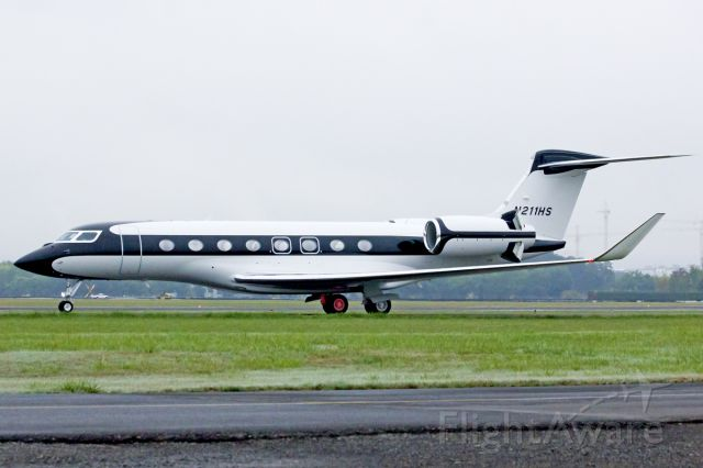Gulfstream Aerospace Gulfstream G650 (N211HS) - Starbucks receives delivery of their new G650 today from Savannah. 9-27-13