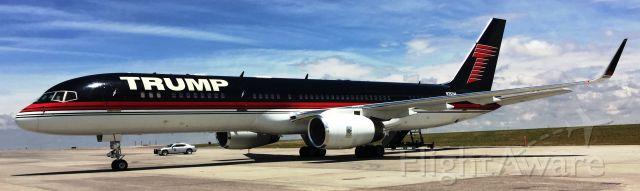 Boeing 757-200 (N757AF) - Trump in Denver 7-1-2016.
