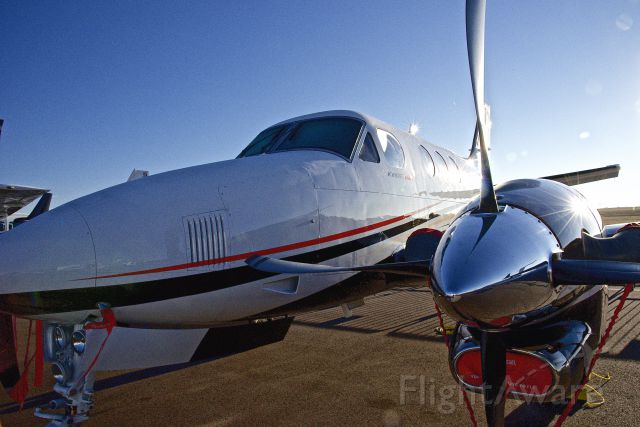 Beechcraft King Air 90 —