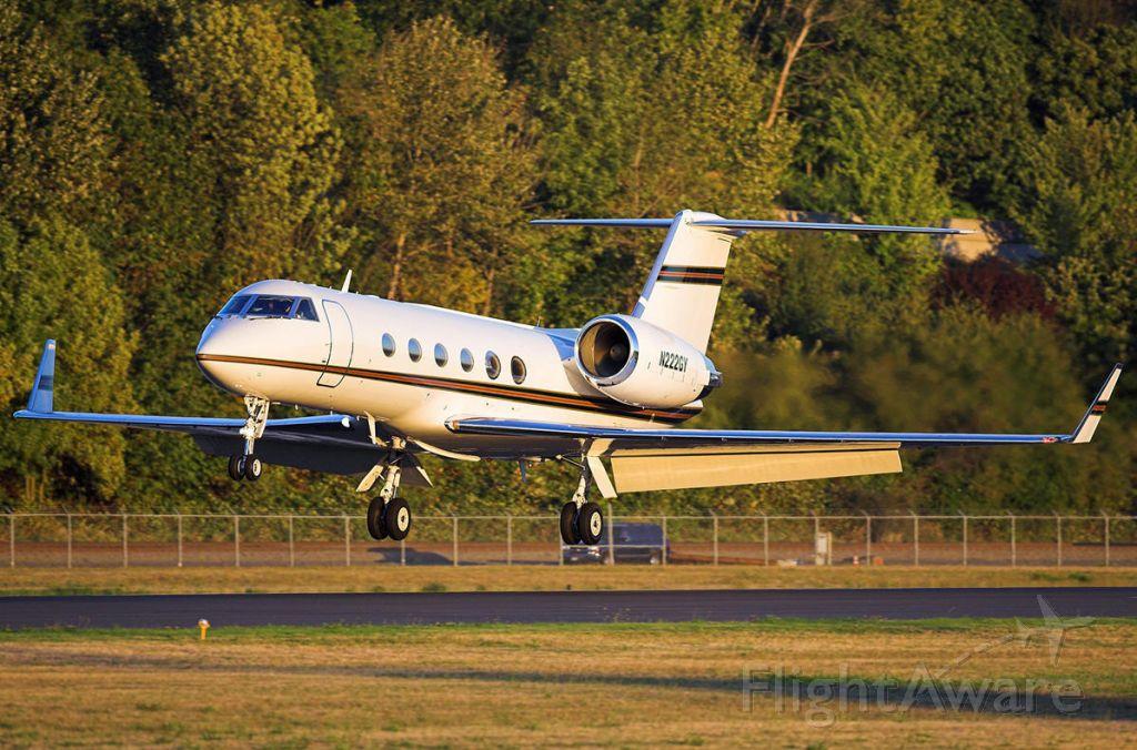 Gulfstream Aerospace Gulfstream IV (N222GY) - On approach to Boeing Field (KBFI).
