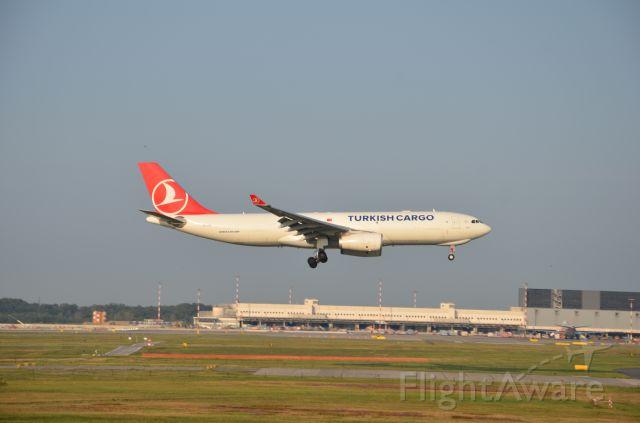 Airbus A330-300 (TC-JDP)