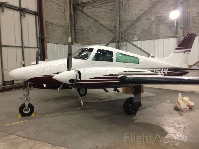 Cessna 310 (N9AM)