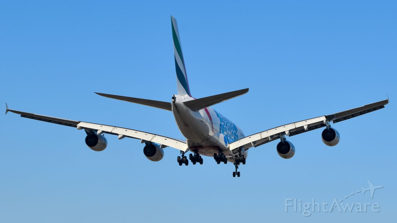 Airbus A380-800 (A6-EOT)
