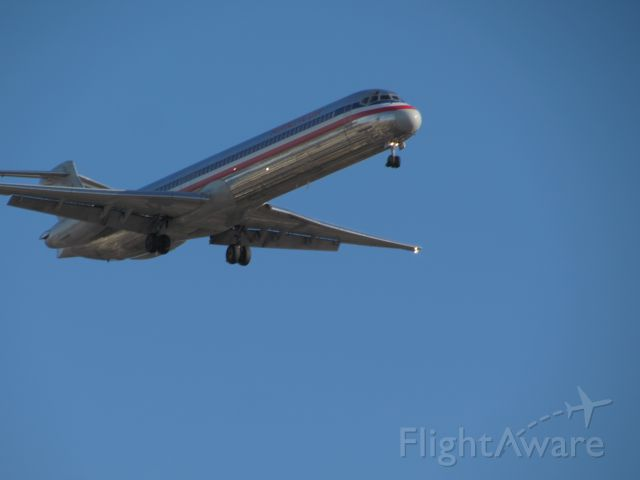 McDonnell Douglas MD-80 — - American Airlines MD-80 at Chicago oh hare in late November