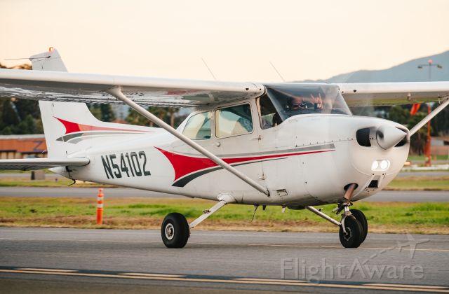 Cessna Skyhawk (N54102)
