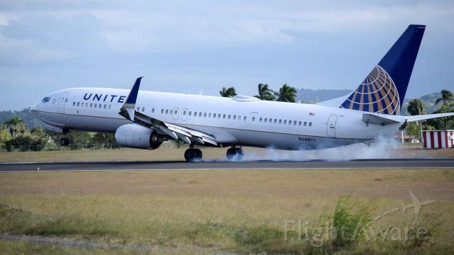 Boeing 737-900 (N68802) - B739 LANDING RWY11 MDST...