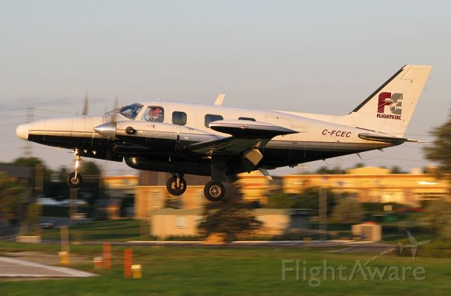 Piper Navajo (C-FCEC) - Leased to Commercial Aviation until October 2011