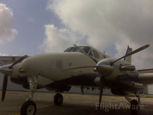 Beechcraft King Air 90 (N722VB)