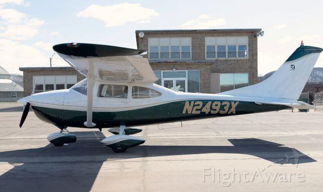 Cessna Skylane (N2493X)