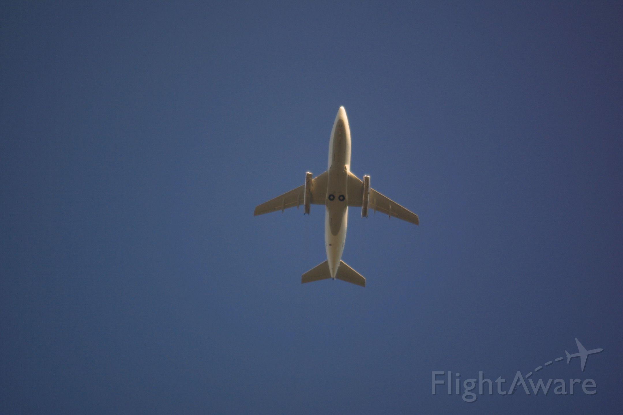 Boeing 737-200 (N703S) - Go around on 16