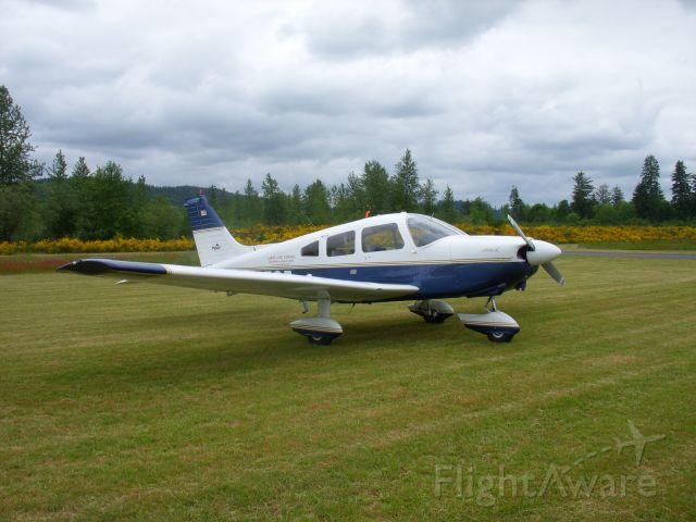 Piper Cherokee (N2525)