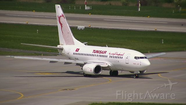 BOEING 737-600 (TS-IOL) - Taxiing before departure to Tunis...