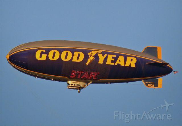 Cessna 152 (N10A) - GoodYear Blimp over LAX