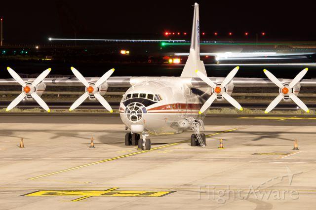 Antonov An-12 (UR-CAJ)