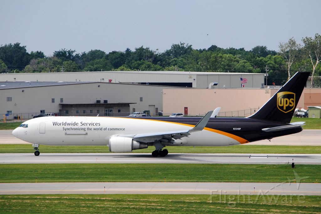 BOEING 767-300 (N334UP) - Taking off to KPHL on June 20, 2013