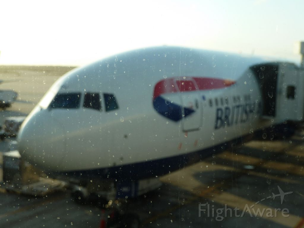 Boeing 777-200 — - The glass wasn