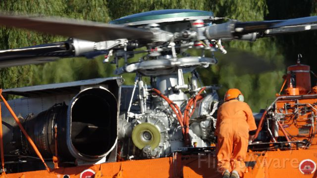 Sikorsky CH-54 Tarhe (N158AC) - Final check before lift off !!