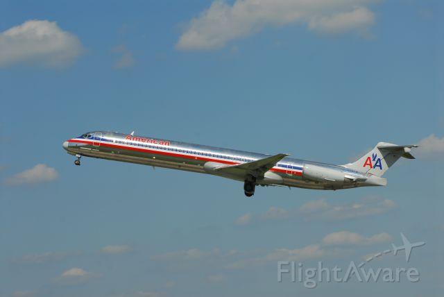 McDonnell Douglas MD-80 (N976TW)