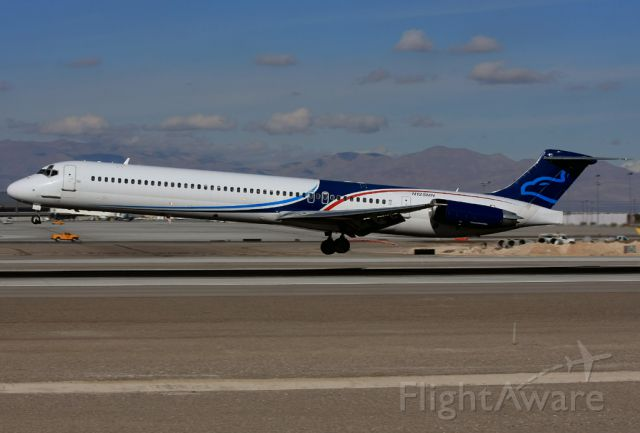 McDonnell Douglas MD-83 (N125MN) - A great surprise about to land on RWY25L at Las Vegas (KLAS/LAS).