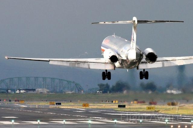 McDonnell Douglas MD-80 (AAL441)