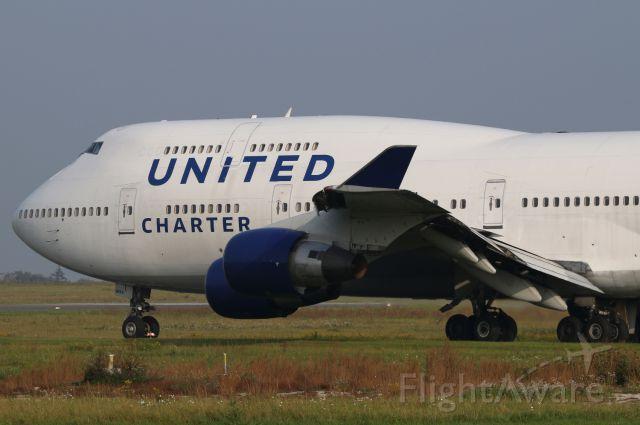 Boeing 747-400 (N194UA)