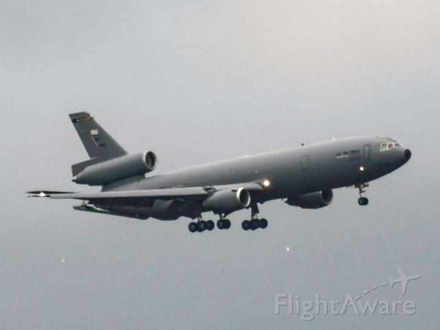 McDonnell Douglas DC-10 — - Sheraton Pittsburgh airport