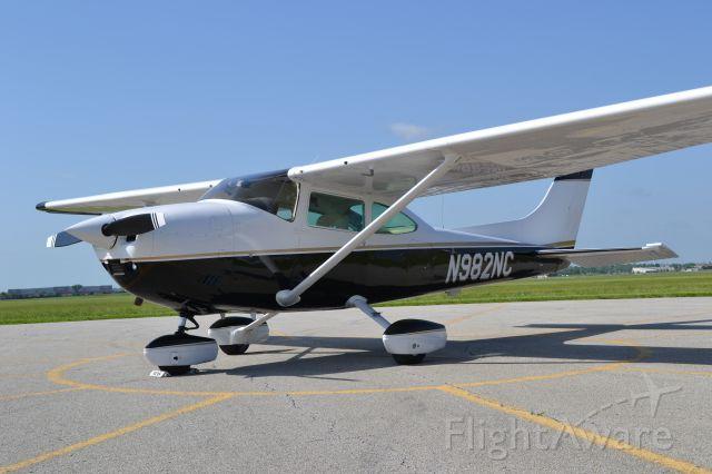 Cessna Skylane (N982NC)
