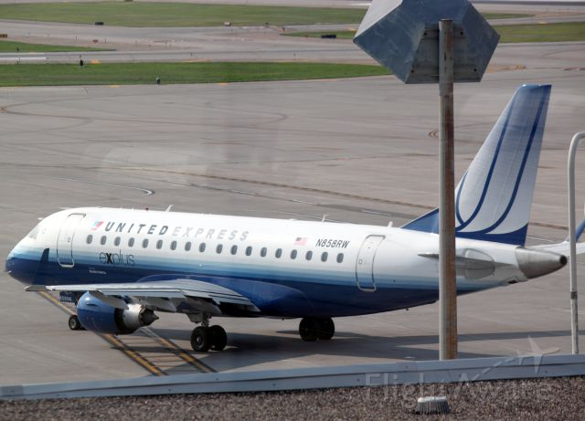 Embraer 170/175 (N858RW) - On Ramp at MSP on 07/31/2011